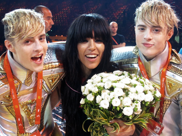 Loreen-with-Jedward-after-Eurovision-2012-loreen-30976933-500-375